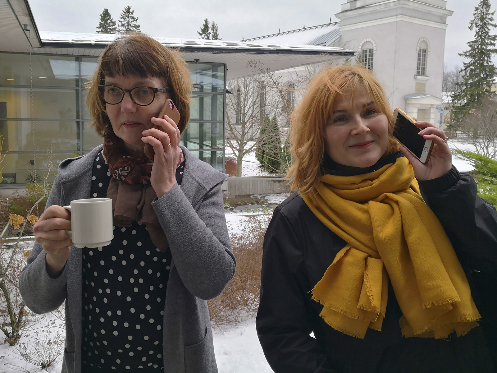 Diakoniatyöntekijät Anne Hammarberg ja Mari Höfera